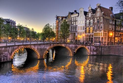 Amsterdam, canales y puentes