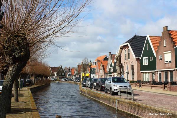 Canales en Volendam