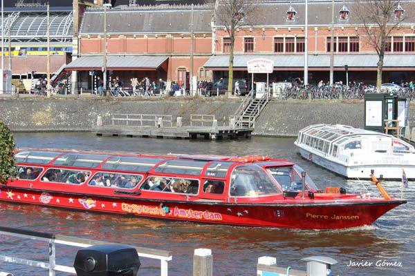 Amsterdam barco y bus turistico 01