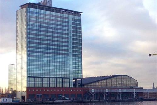 terminal-de-pasajeros-de-amsterdam