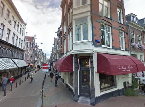Dos calles de compras en Ámsterdam